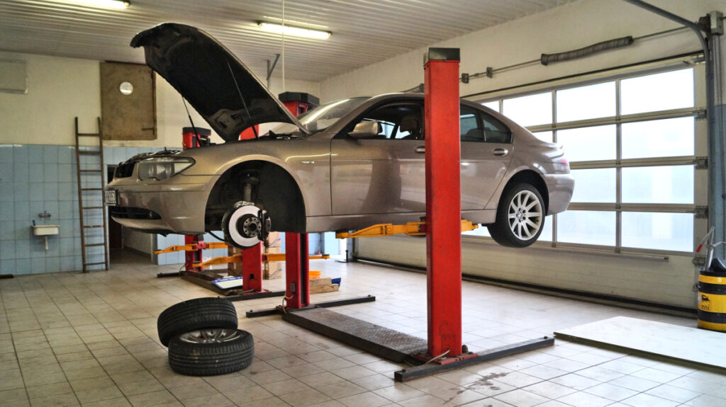 Warsztat BMW - reklama - zareklamuj się!